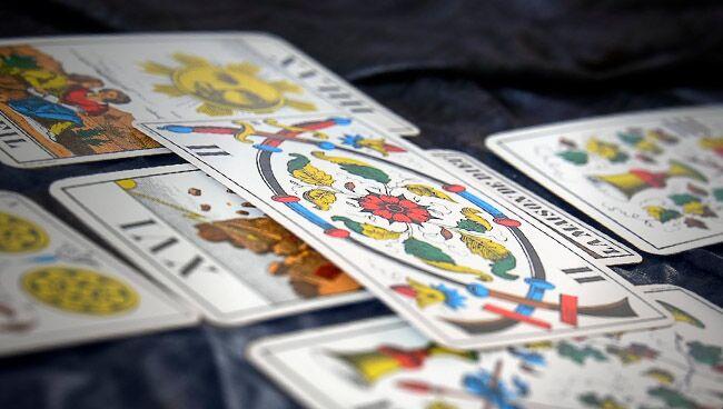 История происхождения карт Таро: школы Таро