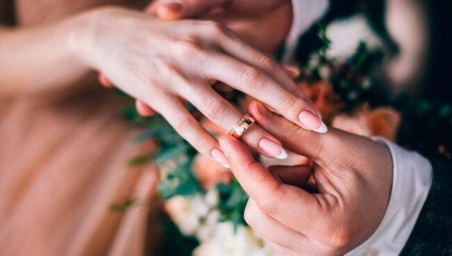 Приметы про обручальные кольца во время свадебной церемонии