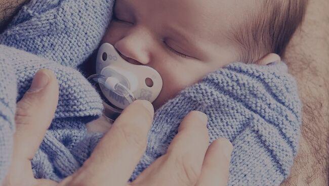 Видеть во сне маленького ребенка на руках