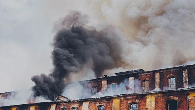 Cонник: горящий дом