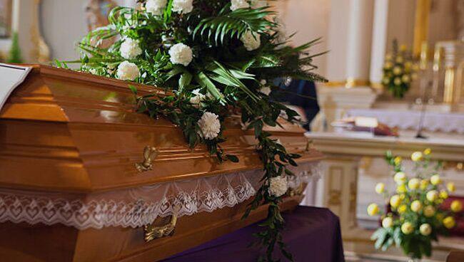 К чему снится похороны живого