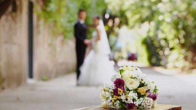 Что нельзя дарить на свадьбу: приметы