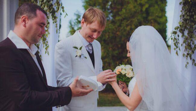 Женатый свидетель на свадьбе: примета