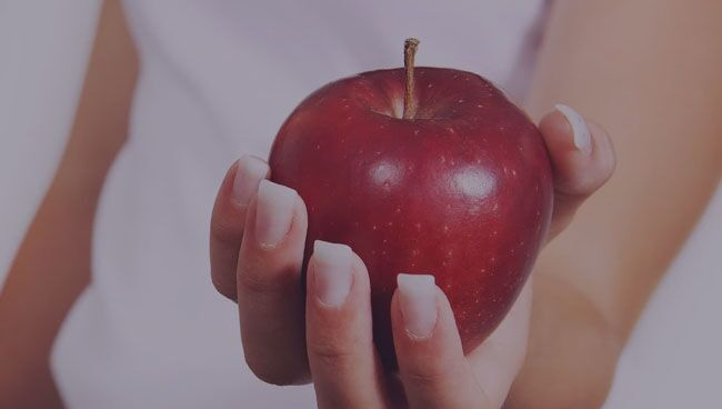 Видеть во сне красные яблоки